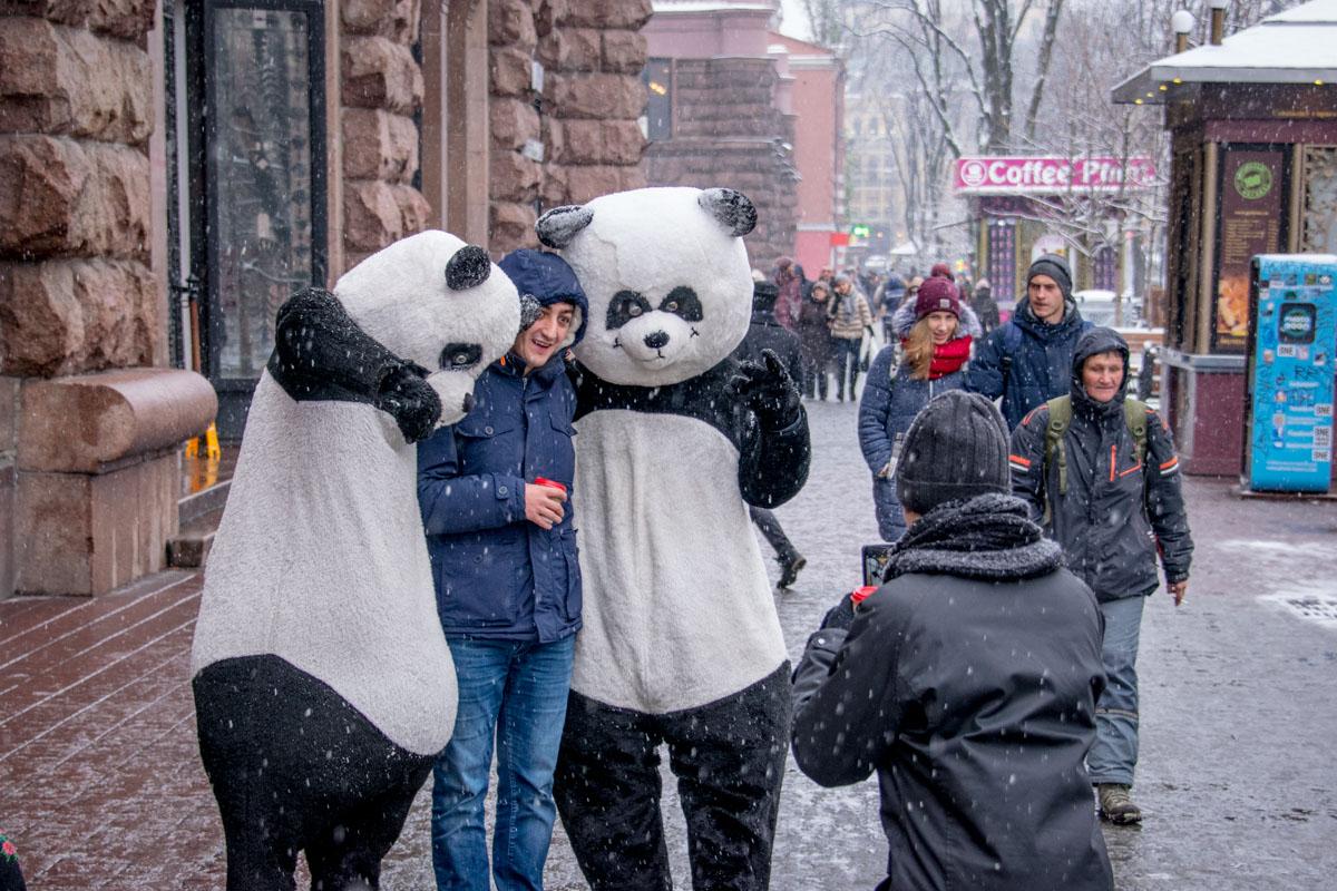 Когда идет снег, мы снова чувствуем себя детьми
