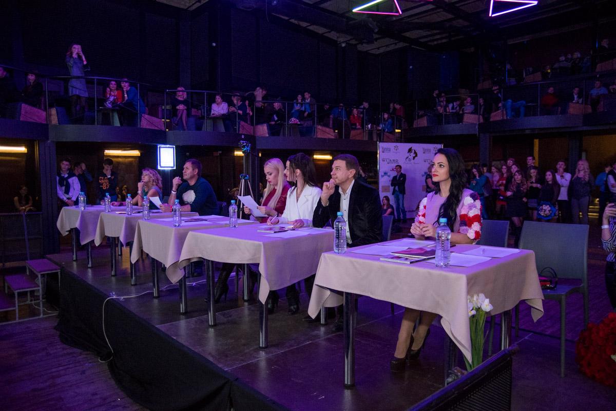 В жюри конкурса вошли 8 человек