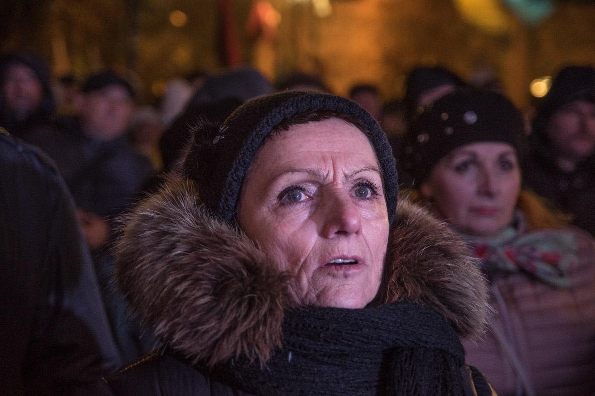 Люди встречали речь Саакашвили аплодисментами
