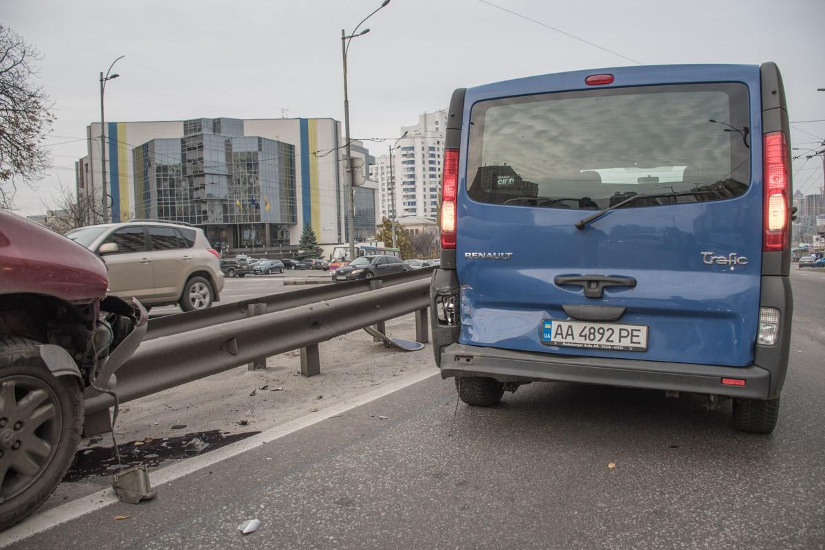 Renault Traffic почти не пострадал
