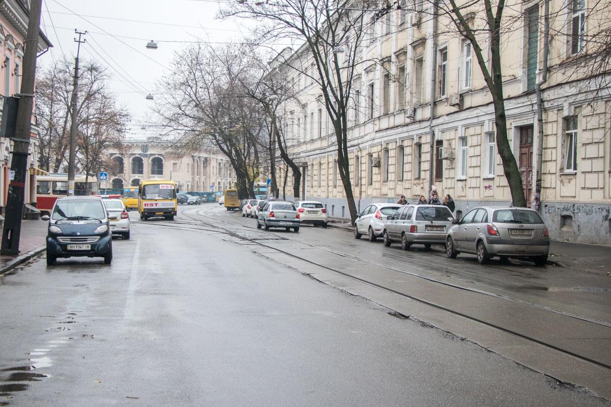 Неизменны лишь маршрутки - они курсируют по Киеву каждый день