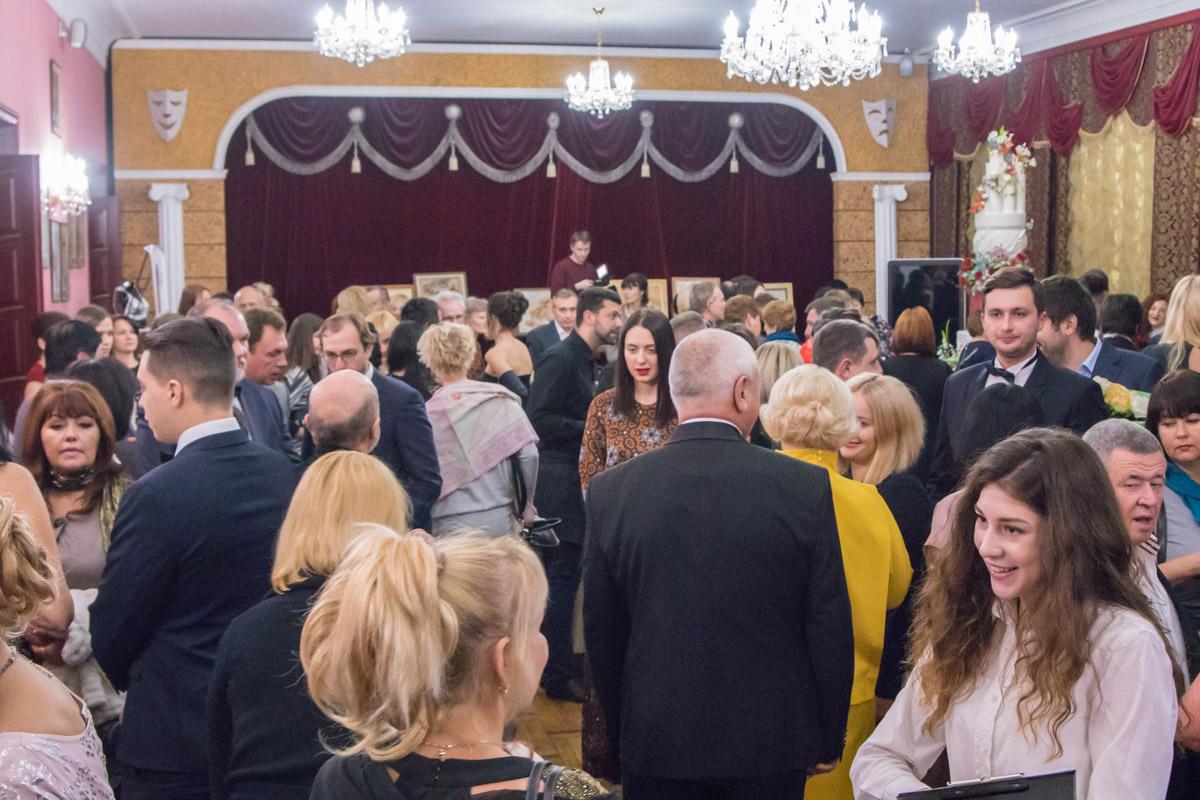 Гостей на церемонию собралось достаточно много