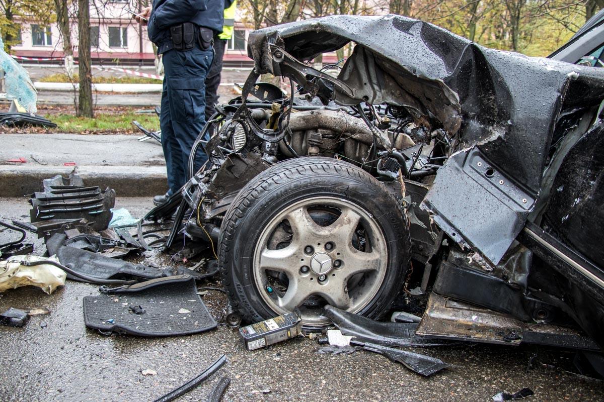 22-летний водитель легковушки погиб на месте