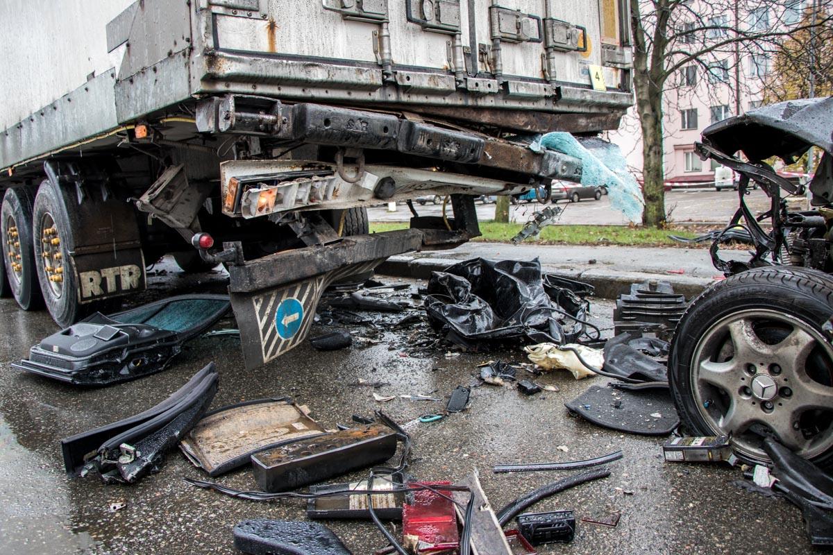 Водителя грузовика на момент аварии в машине не было