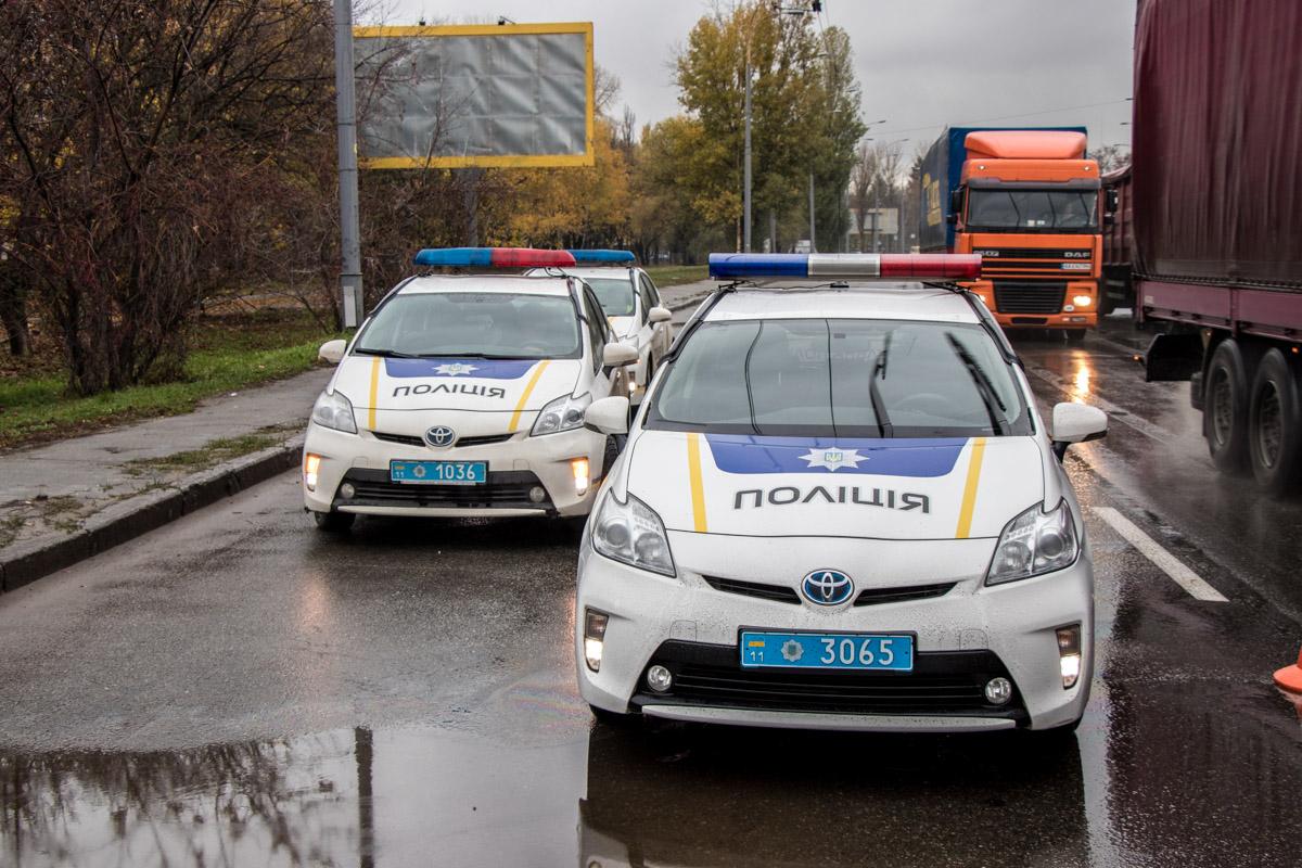 На месте работали полиция и следователи
