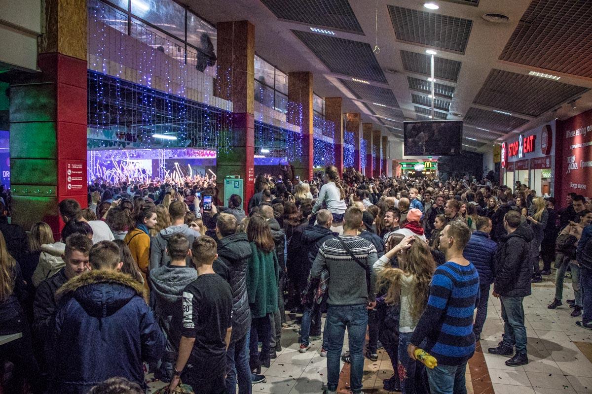 Около тысячи посетителей пришли посмотреть на MOZGI