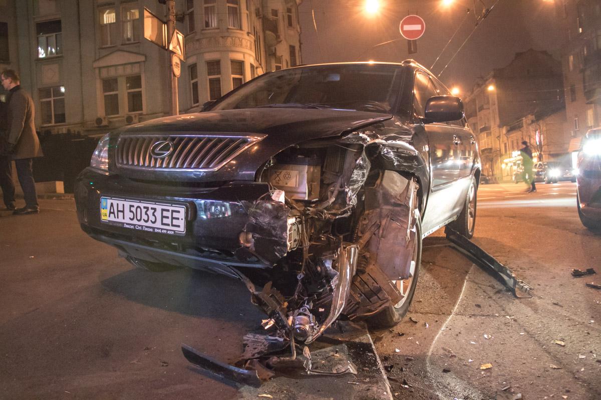 Lexus в этой аварии пострадал больше всего