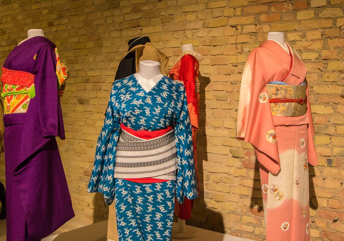 Большое внимание на выставке уделили традиционной японской одежде