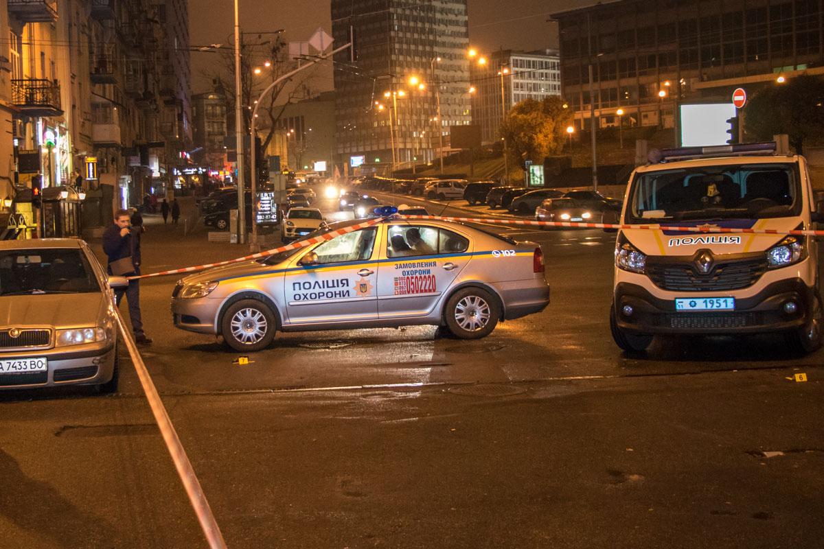 Напали на чиновника в центре Киева
