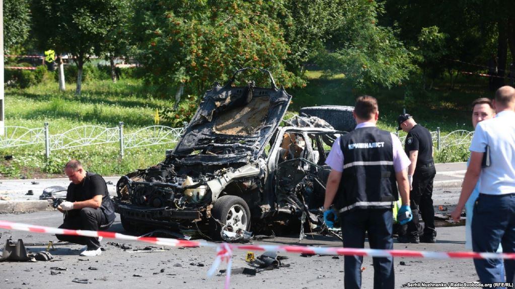 Mercedes полковника разведки Максима Шаповала взорвался во время движения