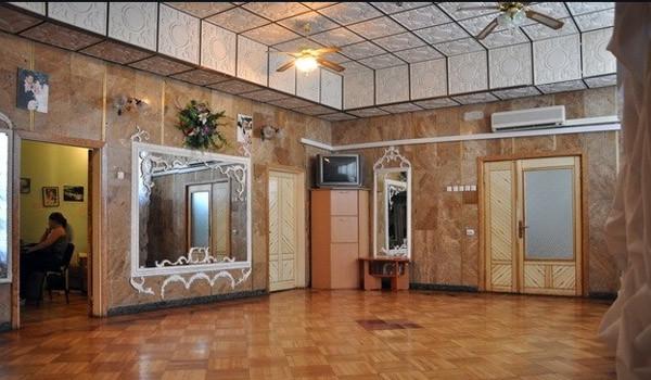 Согласно предложению автора проекта, необходимо отремонтировать помещения Деснянского ЗАГСа и создать стильный Зал торжеств