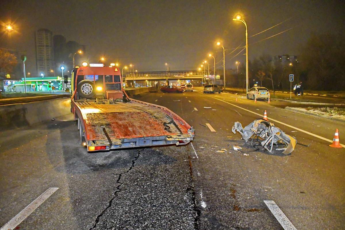 На проспекте Ватутина произошли две аварии подряд