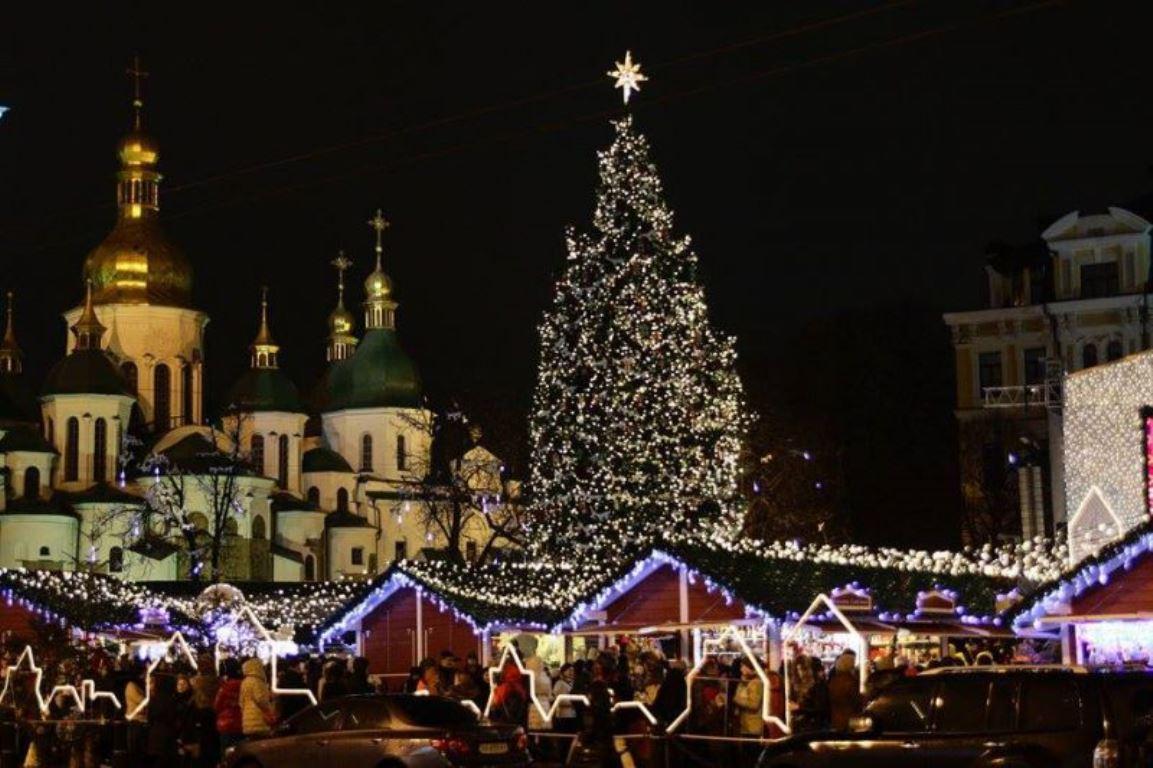 19 декабря планируется проведение торжественного зажжения новогодней елки и открытие ярмарки
