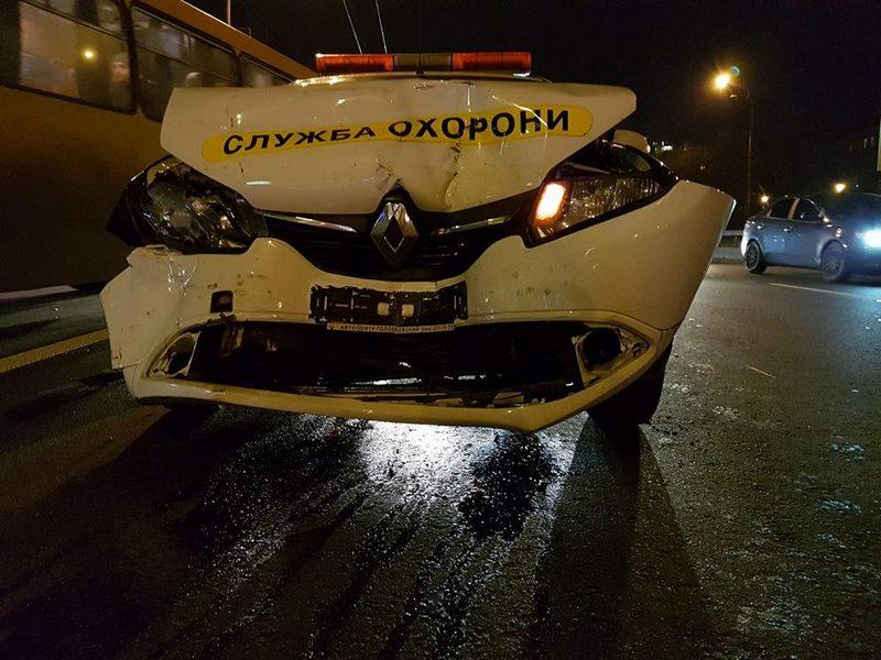 Renault, принадлежащий службе охраны