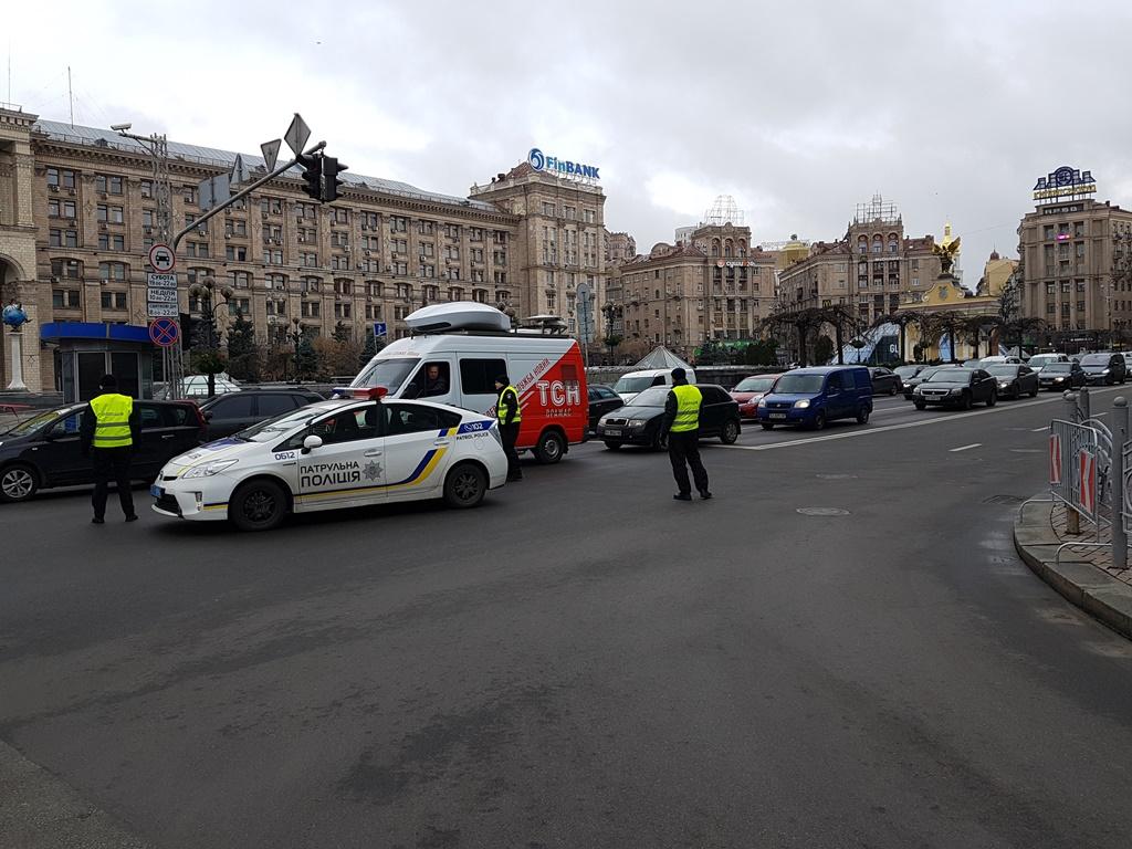 На улицах возле Майдана образовались пробки