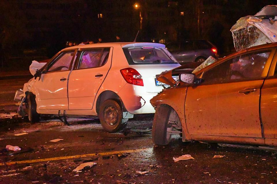 ДТП произошло в ночь на 2 ноября перед мостом Патона