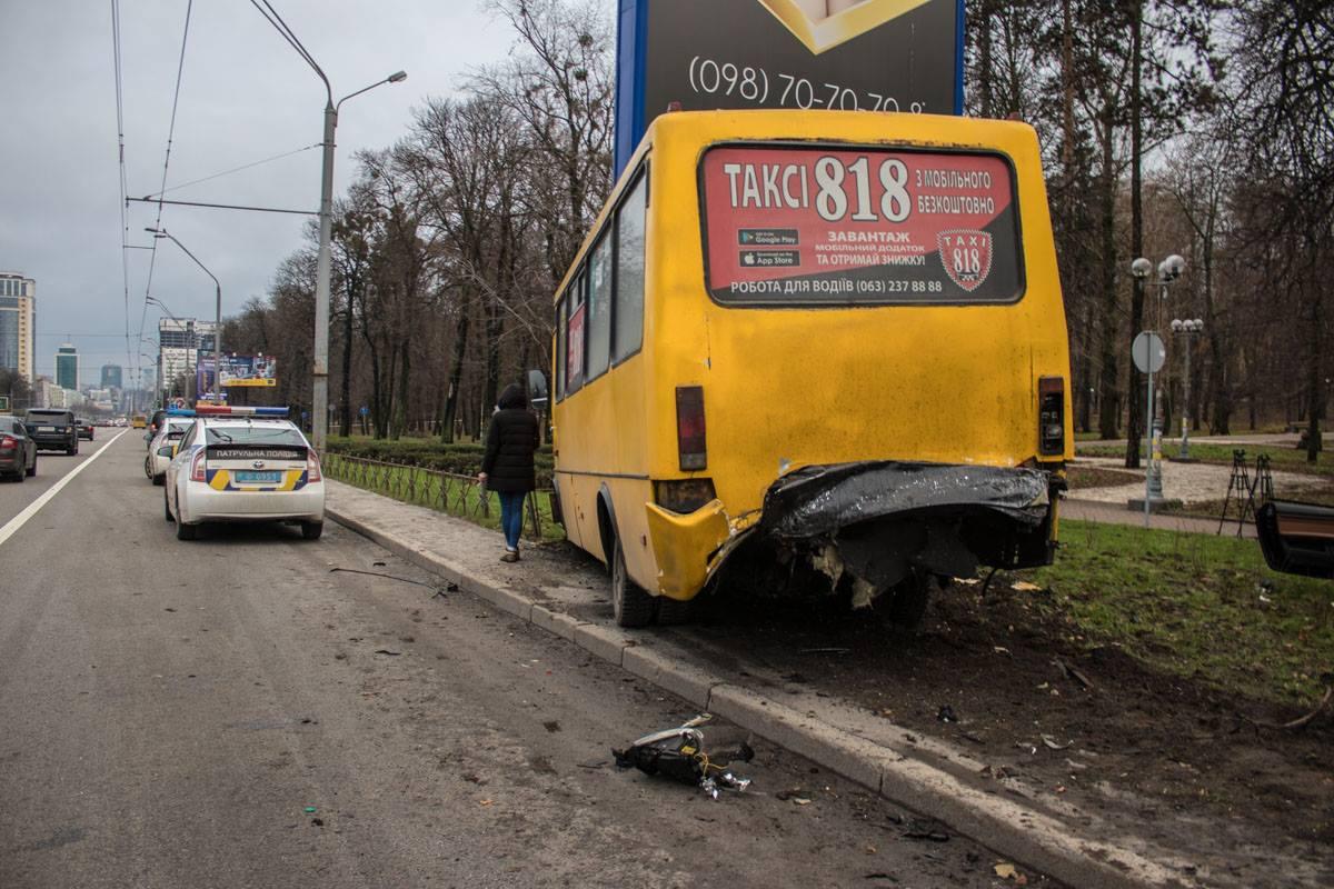 Причиной аварии стал тот факт, что автомобильBMW ехал со скоростью более 100 км/час