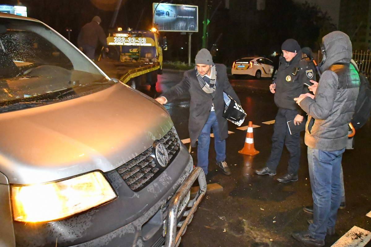 Водители рассказывают о повреждениях на авто полицейским