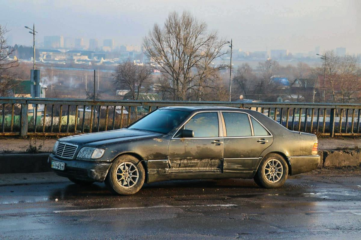 Mercedes S500 только слегка зацепило