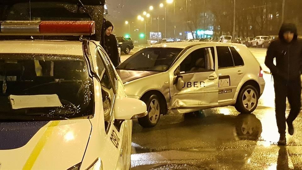 Машина Uber, участник ДТП на пересечении улиц Липковского и Кавказской