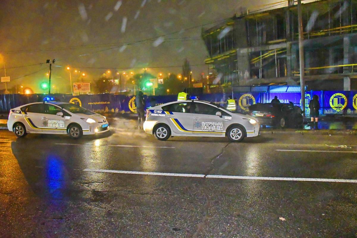 Полиция устанавливает все обстоятельства ДТП