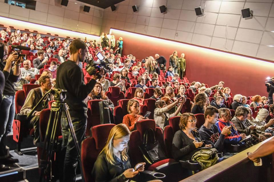 """Допремьерный пресс-показ состоялся в кинотеатре """"Оскар"""" 4 декабря"""