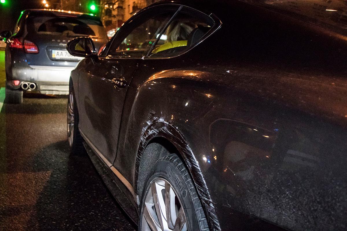 У Bentley небольшие повреждения