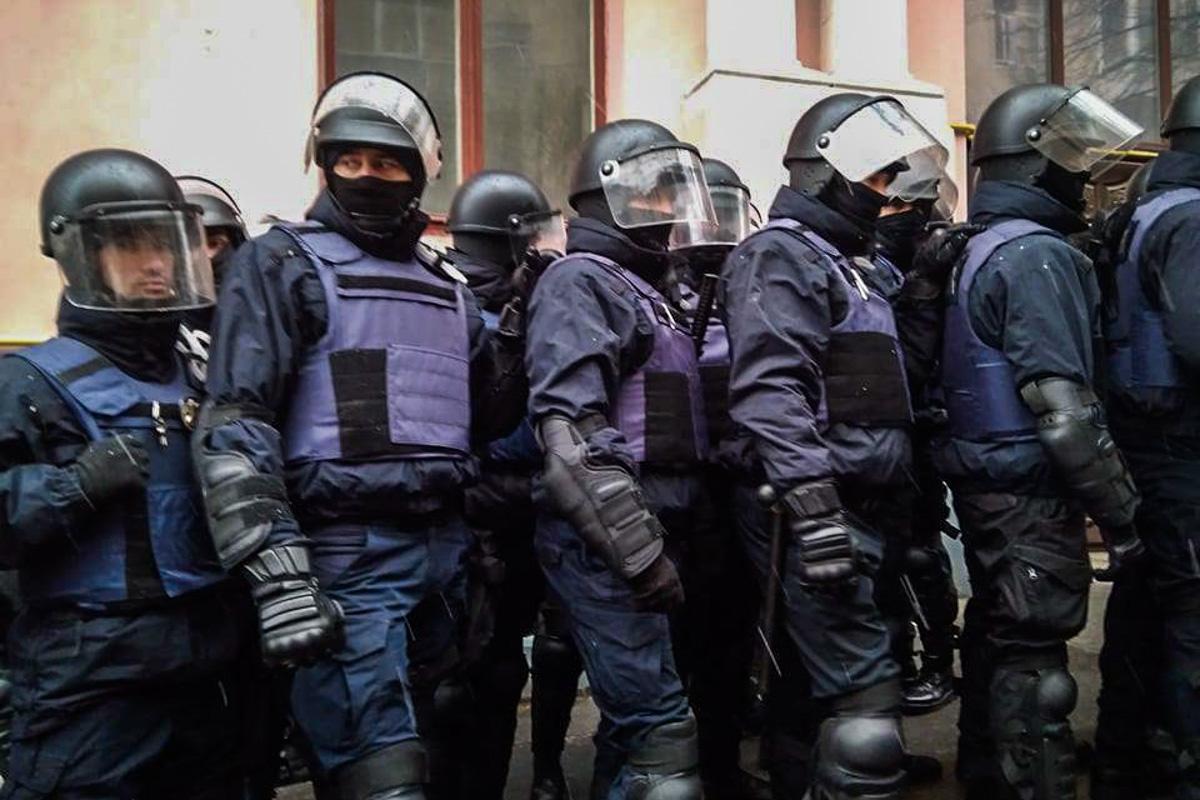 Якобы полиция без опознавательных знаков