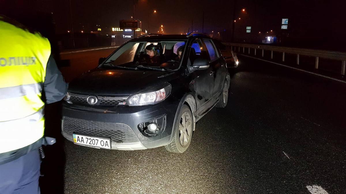 Водители уверяют, что женщина была пьяна