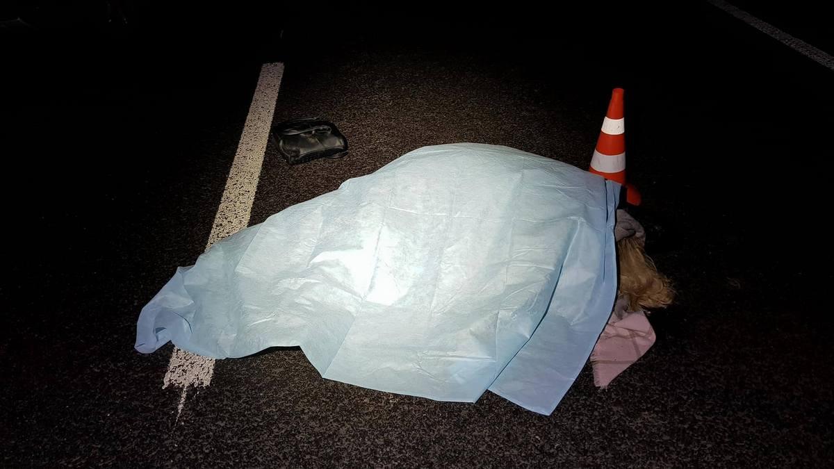 На Борщаговке автомобиль насмерть сбил женщину
