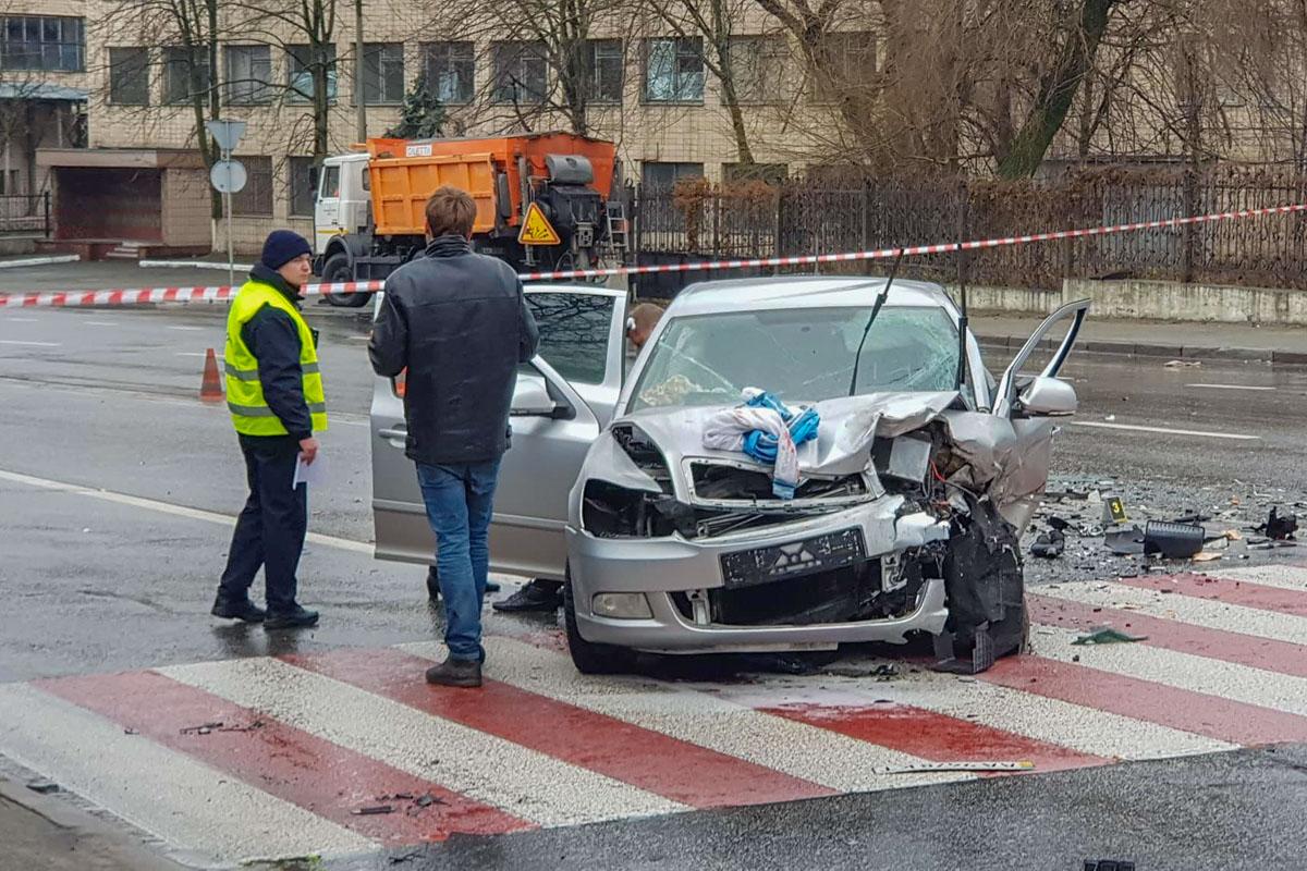 Водителя увезла полиция к врачу на освидетельствование