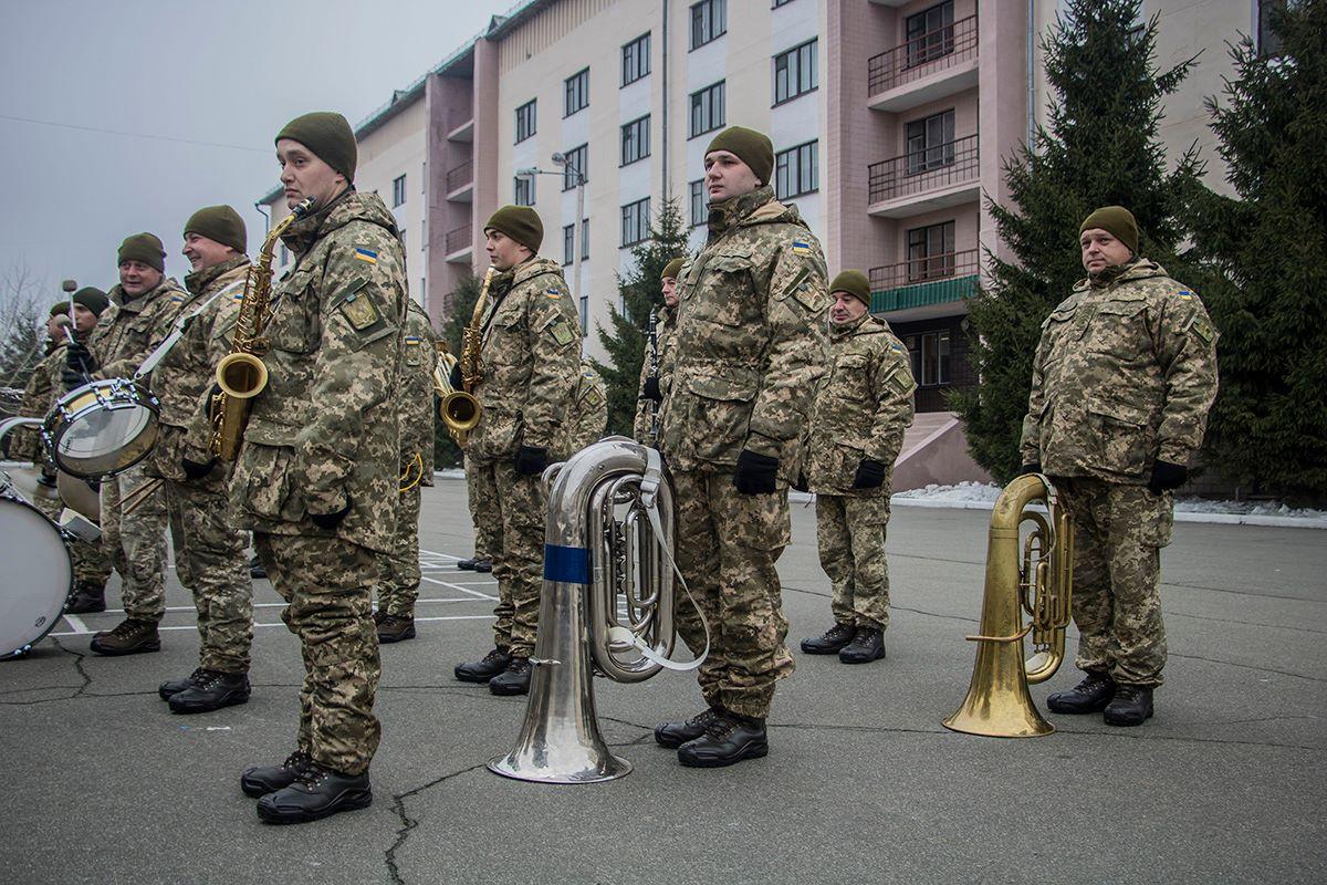 Новобранцы спели Гимн Украины