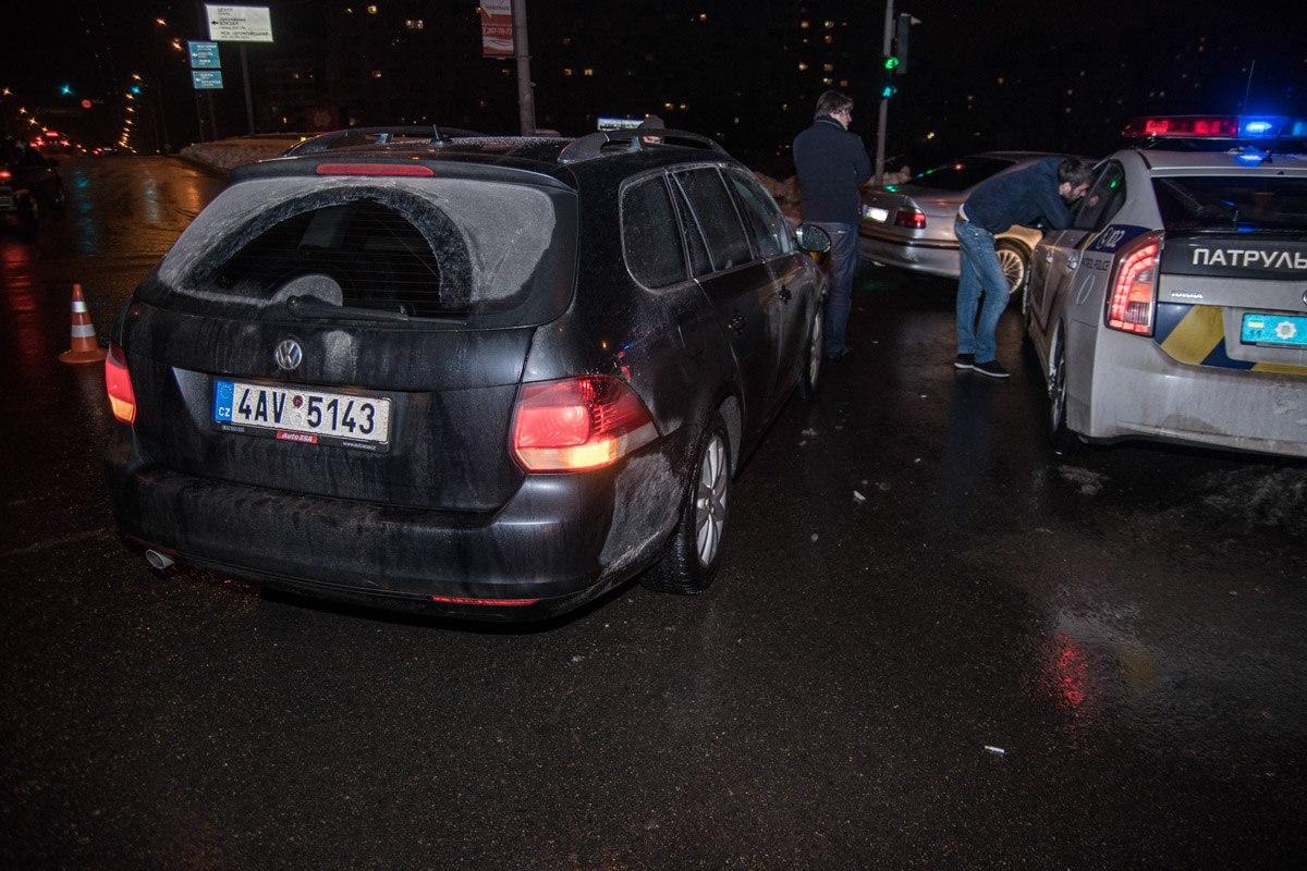 Автомобили столкнулись на пересечении улиц Драйзера и Оноре де Бальзька