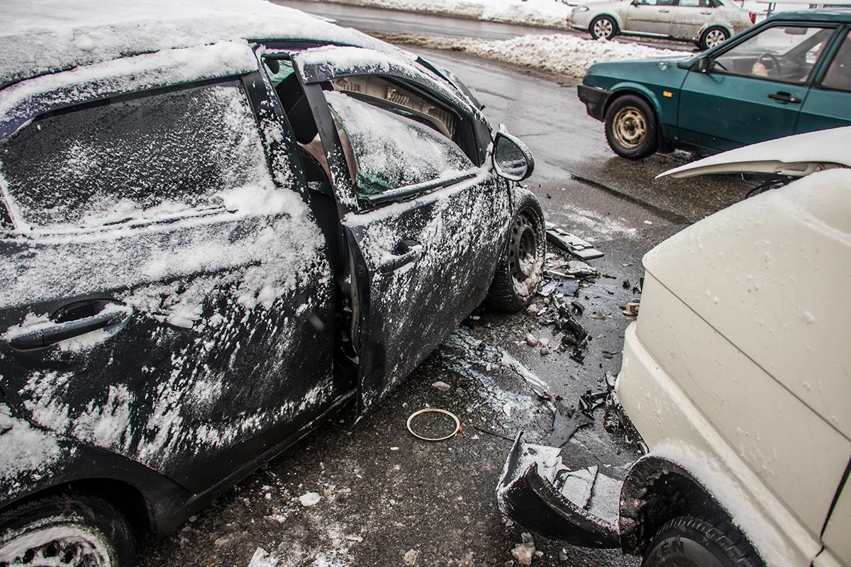 По словам водителя Volkswagen, Mazda вылетела на встречную полосу