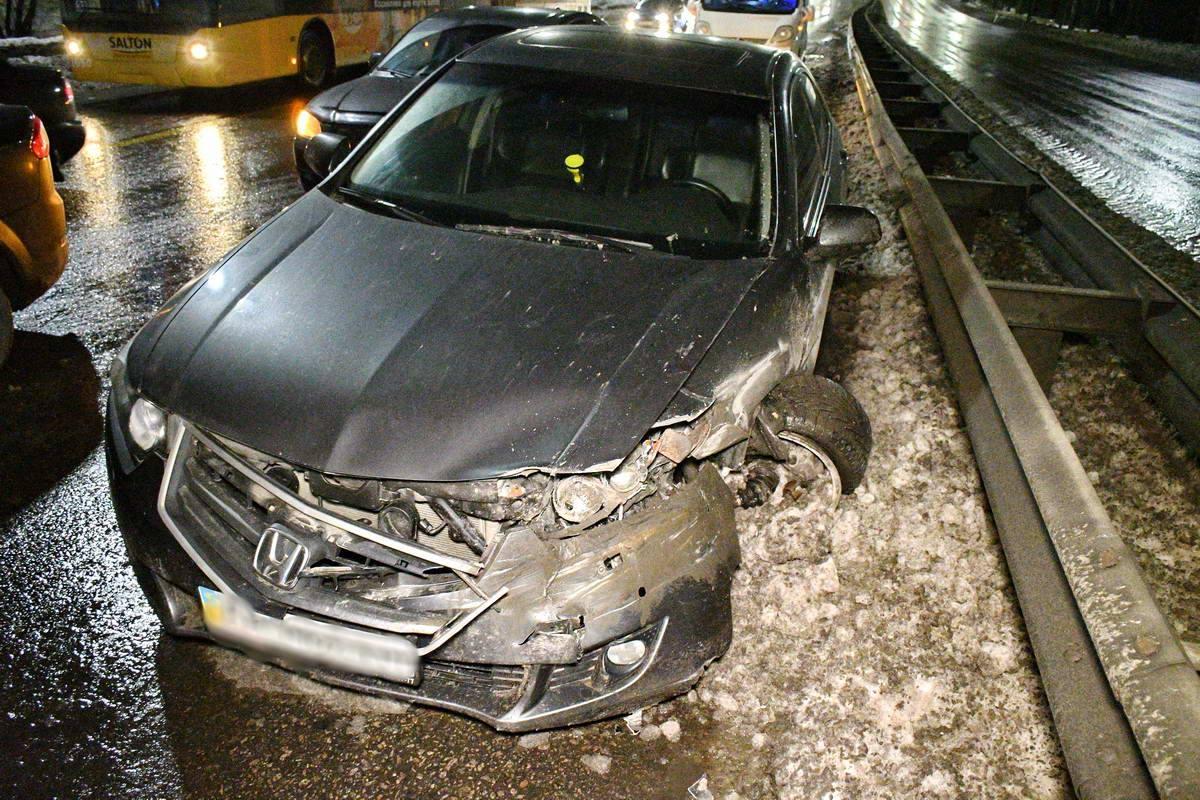 По версии пассажира Honda, Ford влетел в их авто