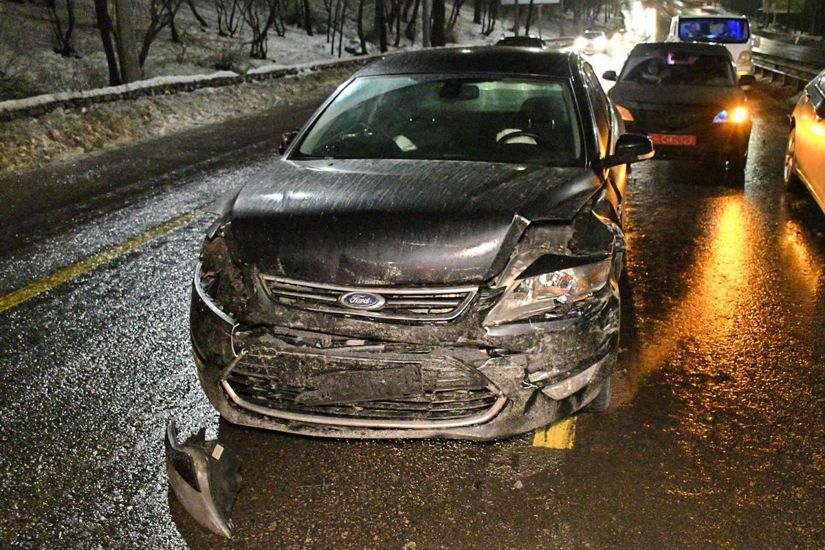 У авто повреждена передняя часть