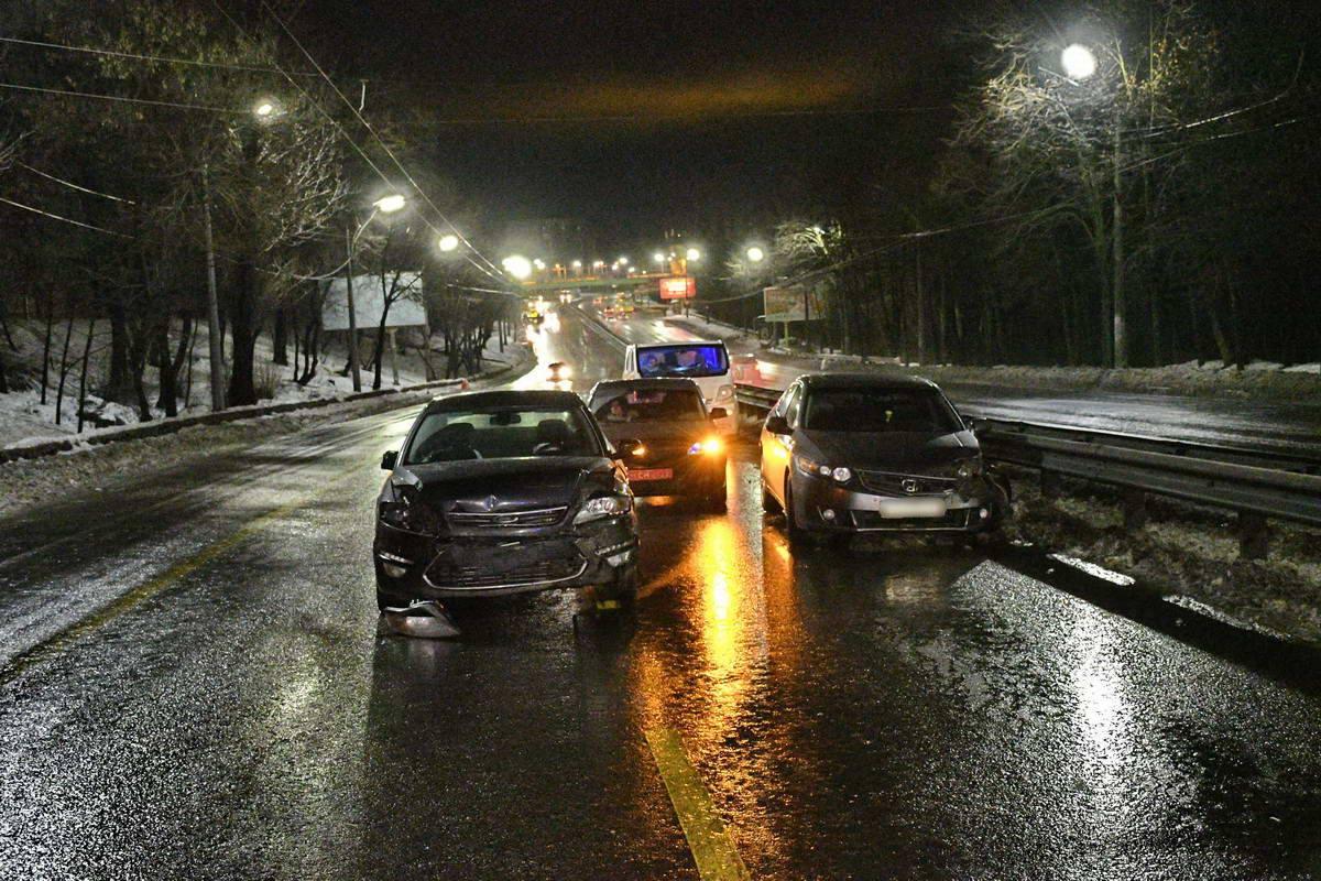 ДТП произошло на улице Олены Телиги