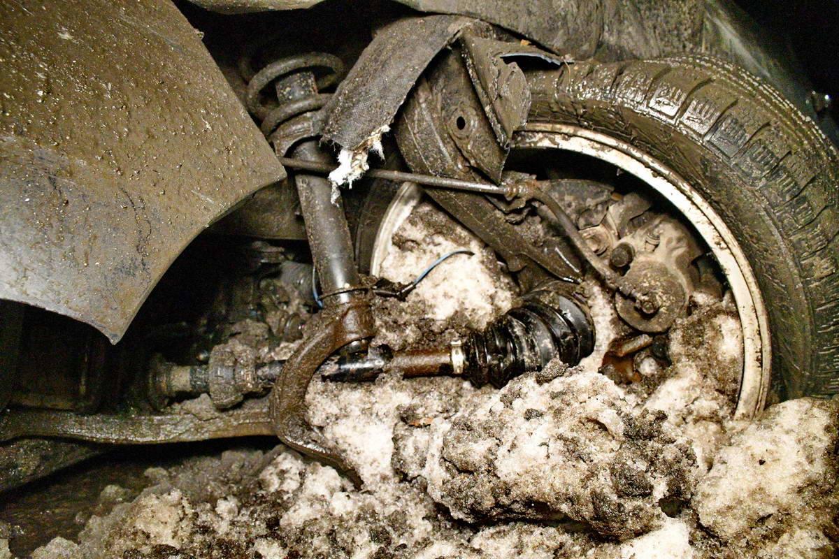 В Honda вырвана левая полуось