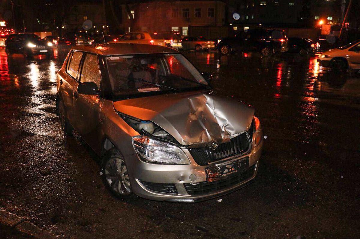Водитель Skoda пытался избежать столкновения с другим авто