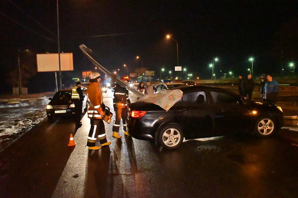 Виновником аварии водитель MG cчитает грузовик, который скрылся с места происшествия