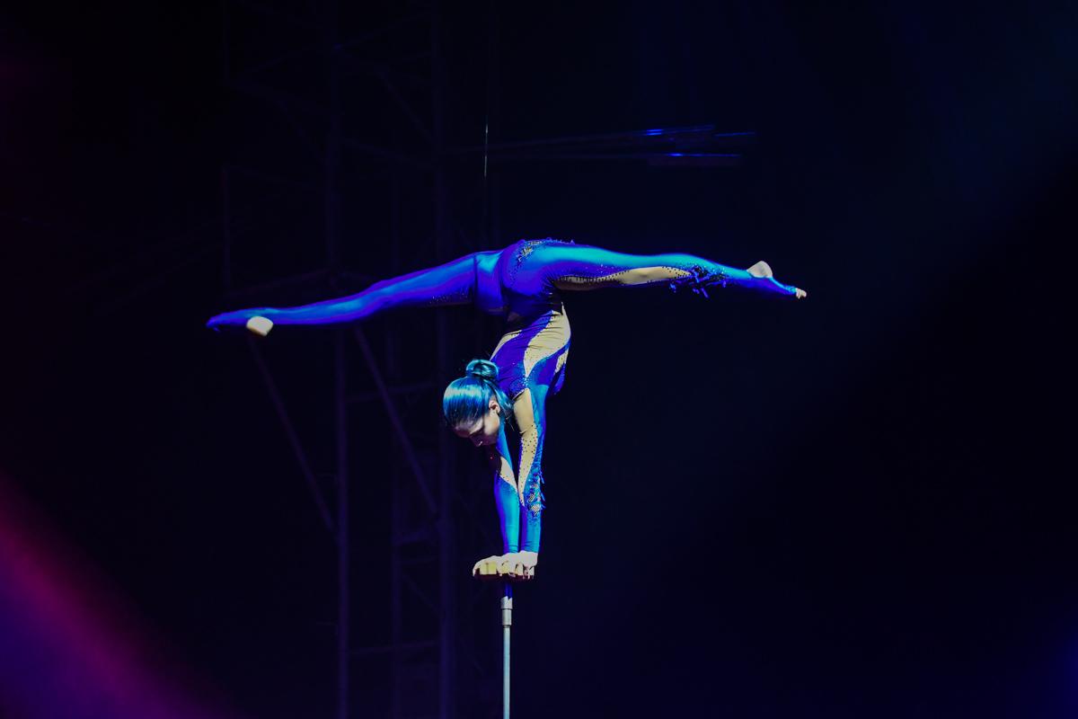 На арене выступили рекордсмены и артисты из США, Колумбии, Чили, Португалии и Украины.