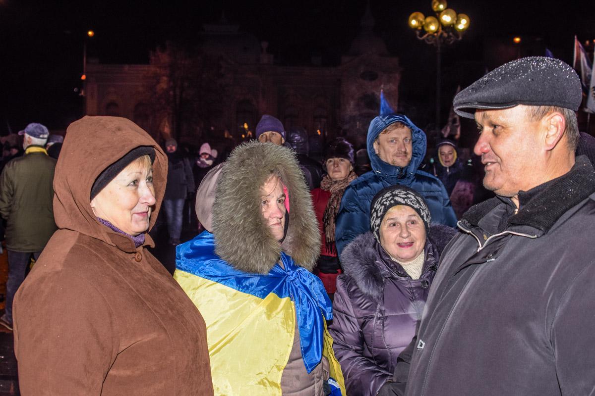Наталья из Луганска (слева) узнала о митинге из новостей