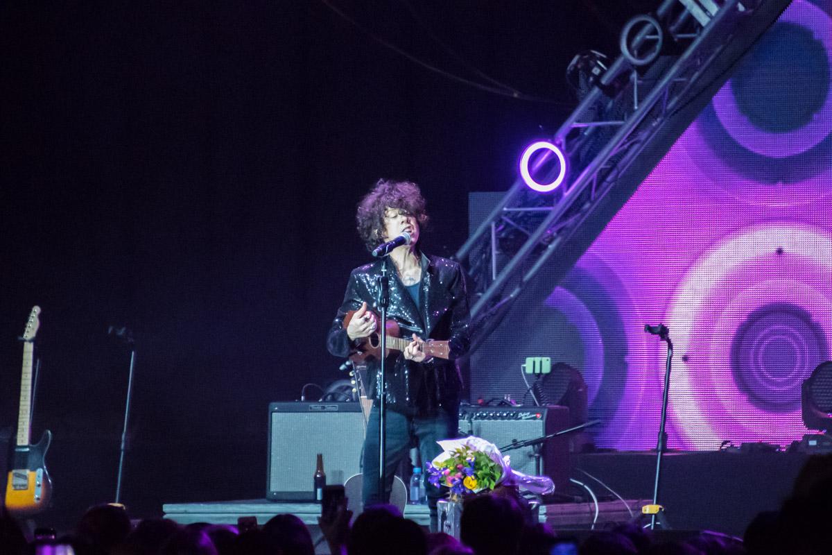 Концерт прошел в поддержку альбома«Lost On You»
