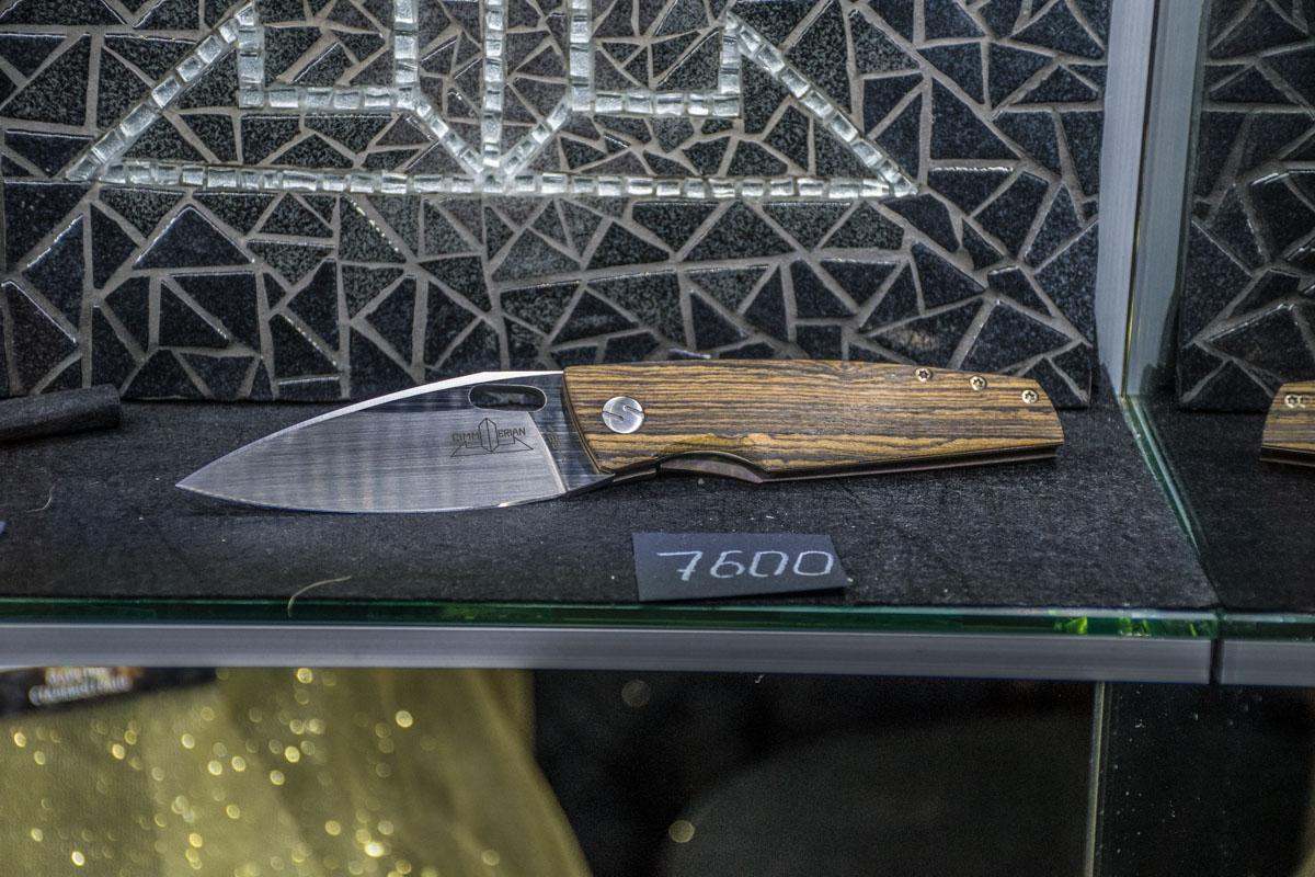 Нож ручной работы имеет соответствующую цену