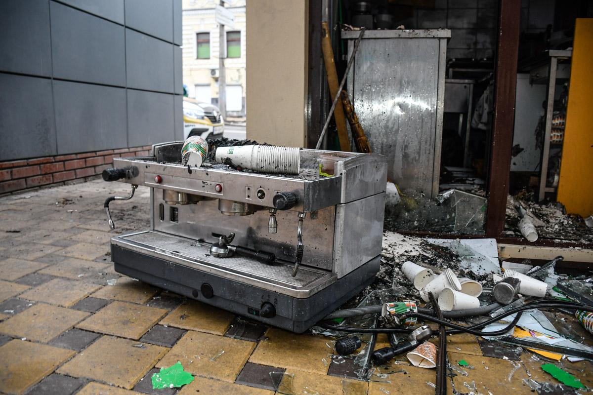 От пожара пострадала и кофемашина МАФа