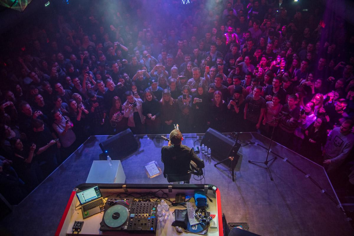 Фанаты с радостью слушали и песни, и рассказы Noize MC
