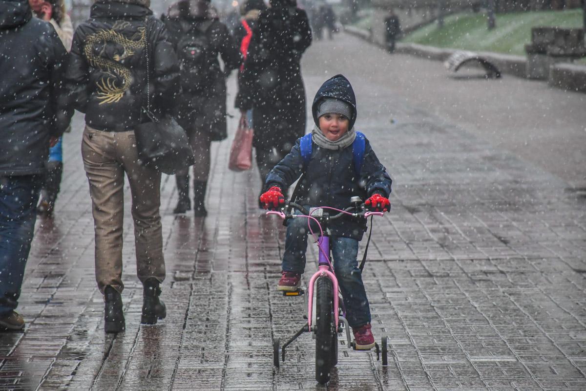 Снег для детей - особая радость