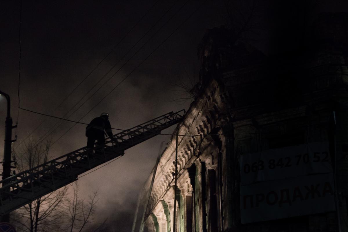 Пожар возник на чердаке