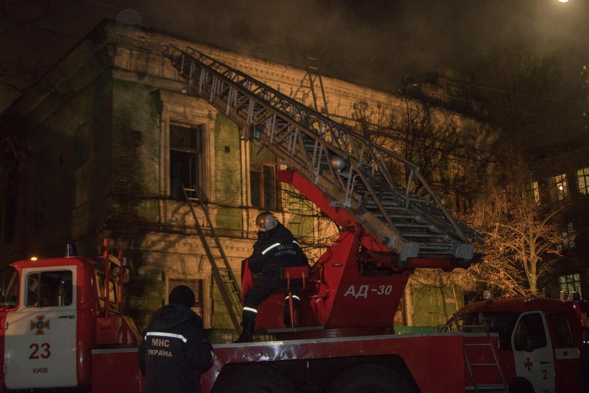 Первый этаж огонь не задел