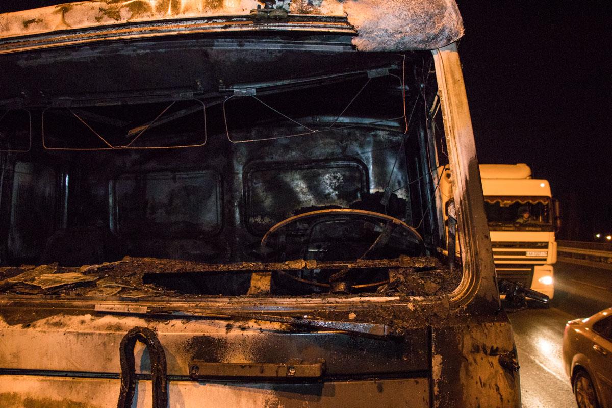 Кабина полностью сгорела